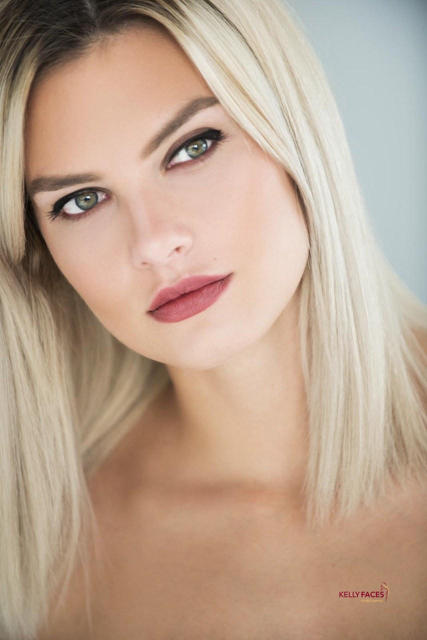 Mandy R.